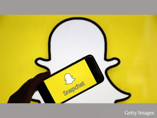 Snapchat hits nearly 250m daily users